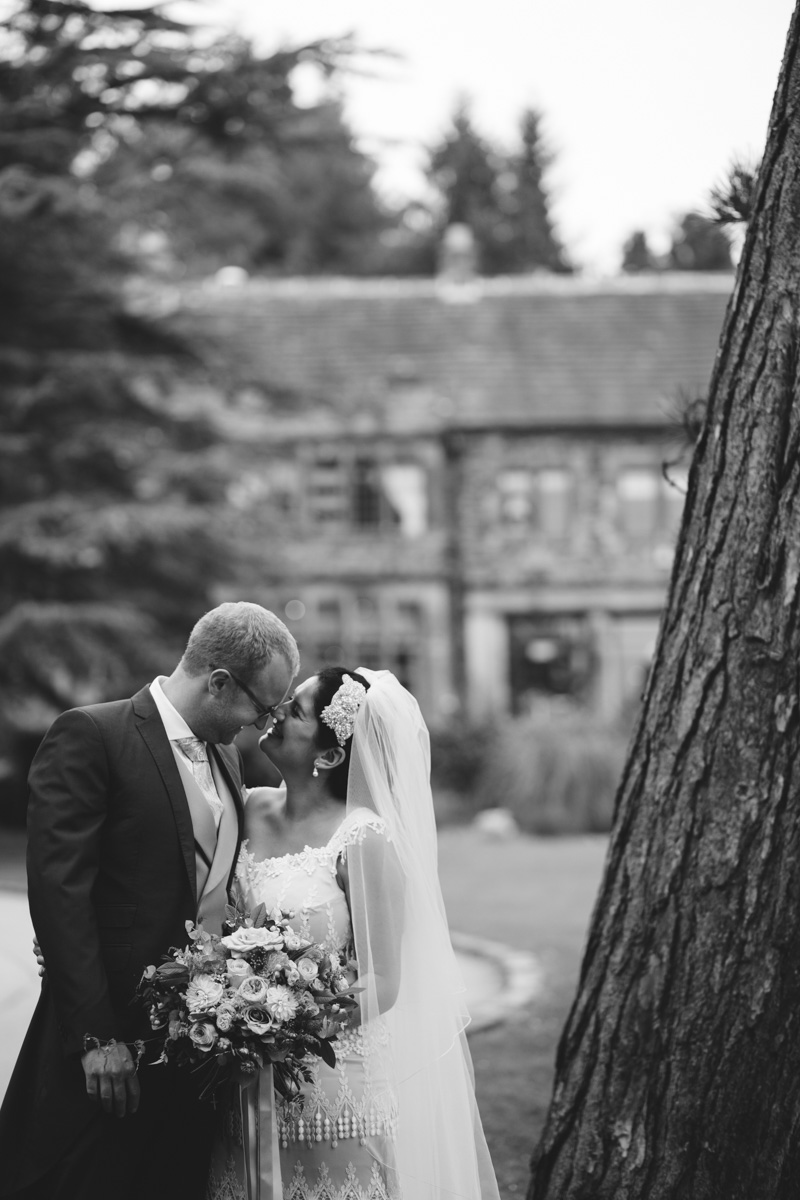 natural wedding photographer